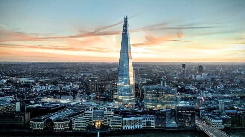 Picture of the Shard building in London at sunset